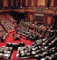 Abbassiamo gli stipendi dei parlamentari