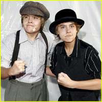 Cole e Dyalan Sprouse Non Possono Essere Gemelli..!!