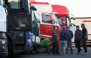 Modifia della legge sui tempi di guida per gli autotrasporti