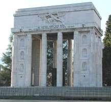 Rivedere l'accordo sui monumenti dell'Alto Adige