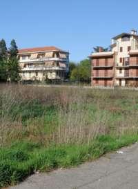 Stop ai parcheggi in via Flarer a Pavia