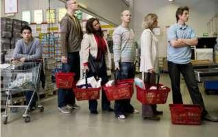 Ipermercati chiusi la domenica! Dipendenti sfruttati'