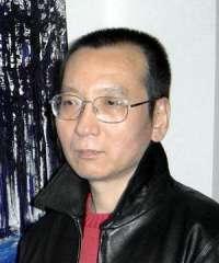 Raccolta di firme per la liberazione di Liu Xiaobo.