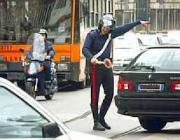Comune Milano:taglia i permessi. Era ora