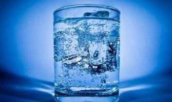 Acqua gratis in discoteche e pub