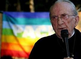 i giovani vogliono Don Andrea Gallo Papa!