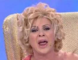 A casa Tina Cipollari! Stop alla maleducazione in tv!