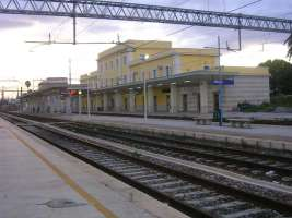 No alla chiusura della Stazione di Sibari