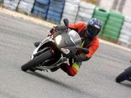 Firma per la guida veloce e sicura in pista