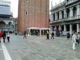 No al GABBIOTTO in piazza S. Marco a Venezia