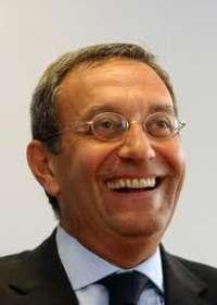 Chiediamo le dimissioni di Antonio Catricalà