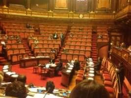 Decadenza d'ufficio per onorevoli e senatori assenteisti