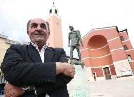 Intitolare la nuova Scuola al Sindaco Domenico D'Alessio