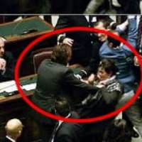 Dambruoso fuori dal Parlamento Italiano.