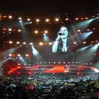 In 70.000 per far tornare Laura Pausini a San Siro!