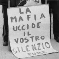 STOP alle sale slot mafiose, lavanderie di denaro sporco!