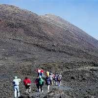 Riaprire agli escursionisti l'area sommitale dell'Etna