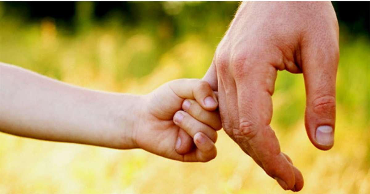 lasciate  adottare le due bimbe dai genitori affidatari