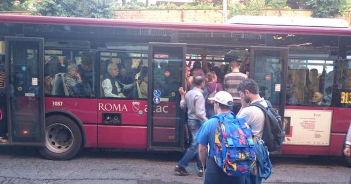 SALVA BUS ATAC LINEA 913 E LINEA 990
