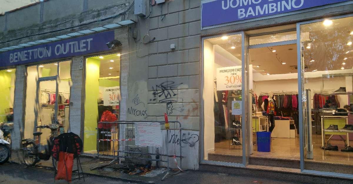 No alla chiusura dell'outlet Benetton a Livorno