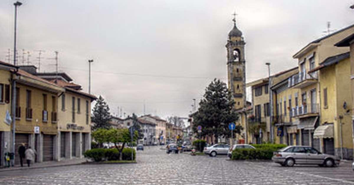 assemblea pubblica sul tema moschea a Castano Primo (Mi)