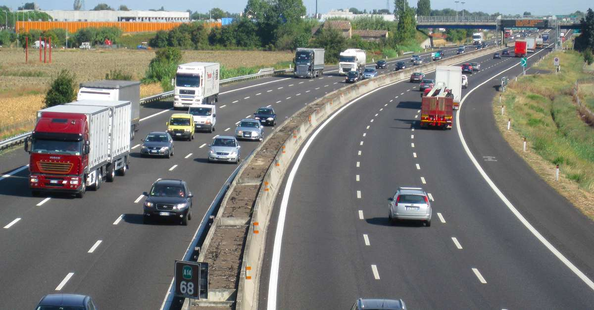 Abolizione limite velocità autostradale