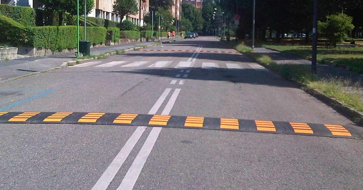 Installazione dissuasori velocità,attraversamento pedonal