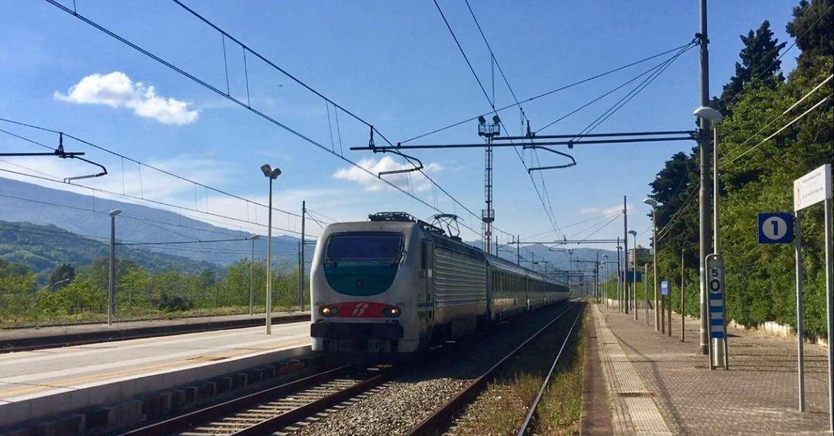 Il nome Casal Velino per la stazione  FS di Vallo Scalo