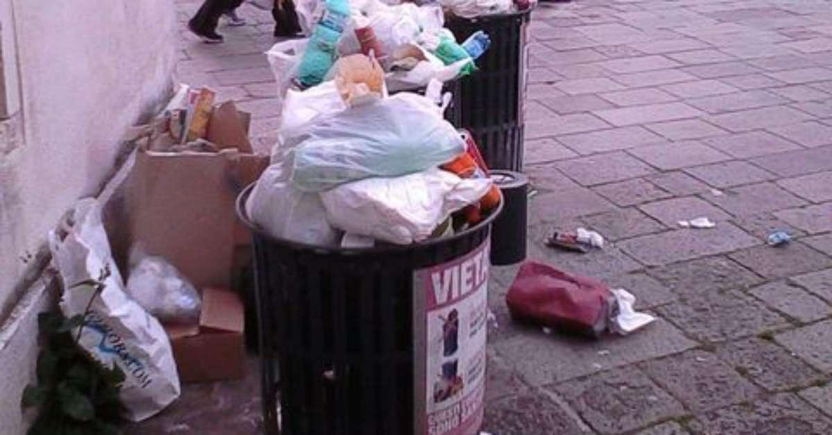 Più cestini pubblici a Venezia