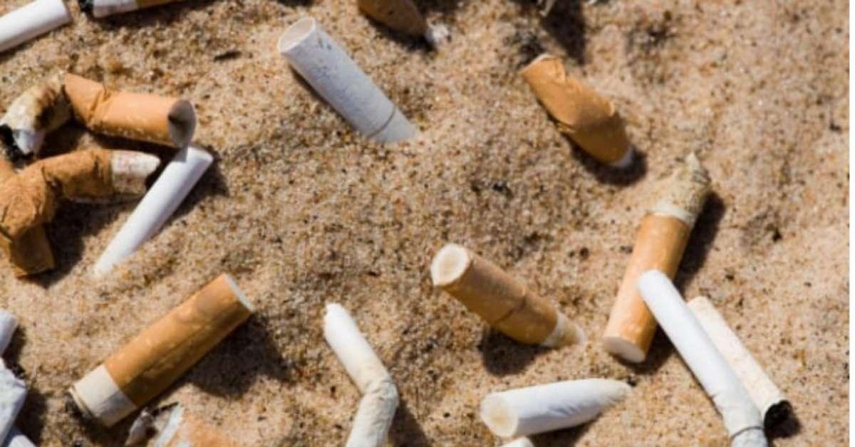 SI AL DIVIETO DI FUMO IN SPIAGGIA A LIGNANO SABBIADORO