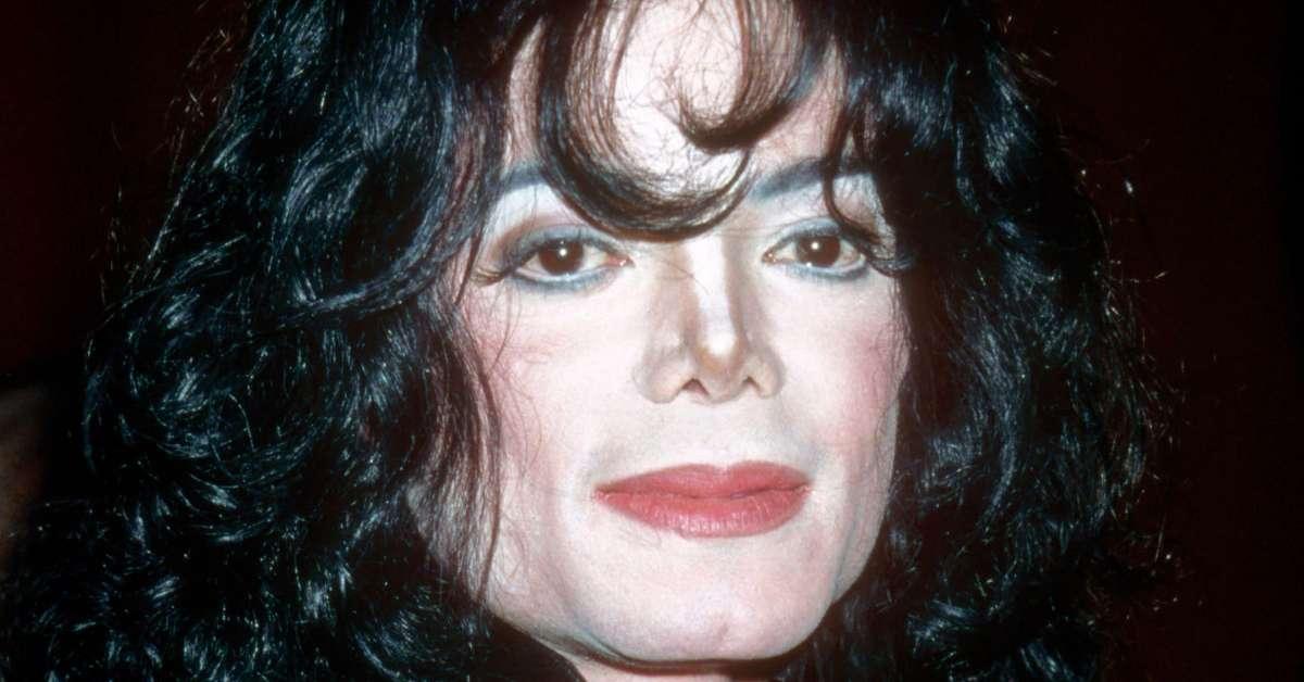 Niente foto di MJ su gruppi WhatsApp!